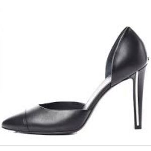 Chanel d'orsay cc heel pumps size 39 1/2